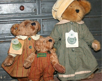 3 Vintage Retired Discontinued 1990 Boyds Bears Country Bearware Collection Emmie Bramblebeary, Louella teddy Bear tags