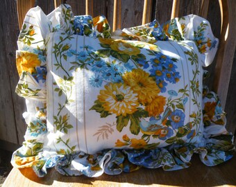 V i n t a g e Flower and Bird Decorative Pillow,Set of 2 Pillows, Pillow, Vintage Material, Fabric Pillow, Floral