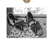Huarache Sandals PDF Pattern Flirtation Walk Sandals - Vintage Pattern for Crochet - Instant Download - PrettyPatternsPlease
