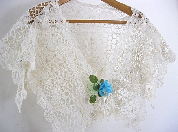 Crochet Lace Wedding Shawl Pattern : Lace shawl wedding shawl crocheted lace shawl vintage