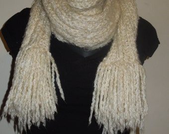 Ribbed scarf with fringe