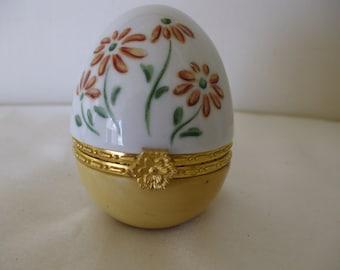 Porcelain Egg Trinket Box, Brown Daisies,  Vintage ,  Gifts for her.