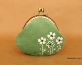 Coin purse---White flowers (S1)