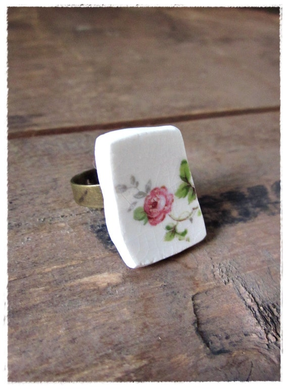 Vintage China Cocktail Ring, Shabby, Chic, Porcelain Rose Ring, Recycled China, Eco Friendly, Upcycled, Repurposed, Statement Jewelry