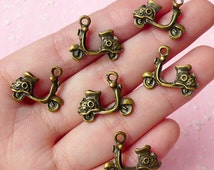Vespa Motorbike Charms (6pcs) (19mm x 15mm) Antique Bronzed Metal Finding Pendant Bracelet Earrings Zipper Pulls Bookmark Keychains CHM047