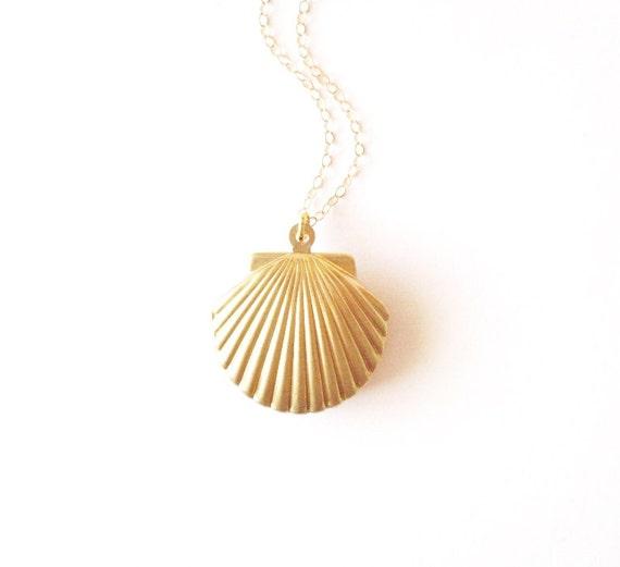 Gold Shell Locket Gold Shell Necklace Seashell Locket Seashell Necklace Sea Shell Locket Sea Shell Necklace Mermaid Locket Mermaid Necklace