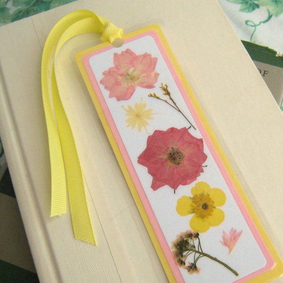 Laminated Pressed Flowers ~ Pressed flower laminated bookmark pink and by bgardencreations