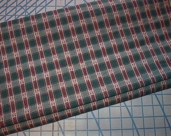 "Christmas Plaid Green and Red Yarn Dyed Light Weight Cotton Fabric 3 yard X 44"" wide piece"