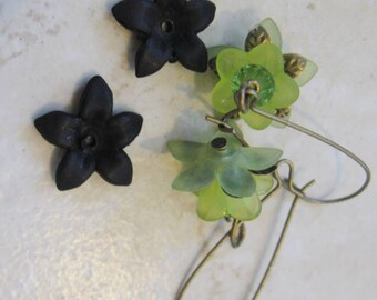 THIRTY Frosted Black Lucite Acrylic 5 Petal Star Flower Cap Bead 17mm