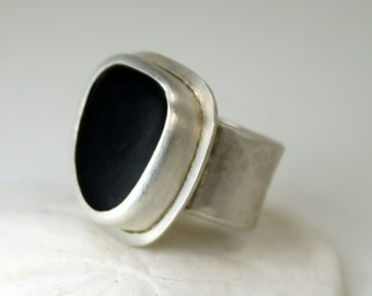 Sterling Silver Stone Ring  - Beach Stone Ring - Black Rock Ring -  Sterling Silver Ring - Handmade Jewelry - Beach Stone