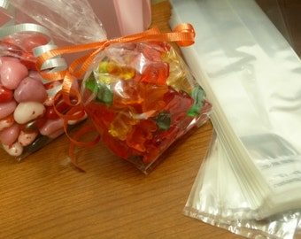 50 clear gusseted candy bags