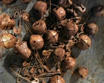 Primitive Rusty Bells  And Pins  Lot Of 20 Each-FAAP