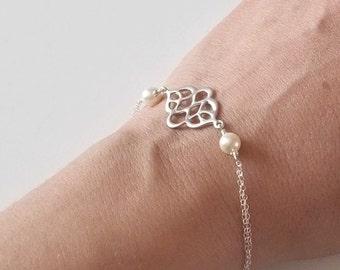 ON SALE Silver Oriental Bracelet with Creamy Pearls