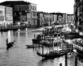 Instant Download Photography - Venice - 8x12 Inches Wall Decor - Black and White - Blog Photo, Stock Photo - Downloadable Digital JPEG