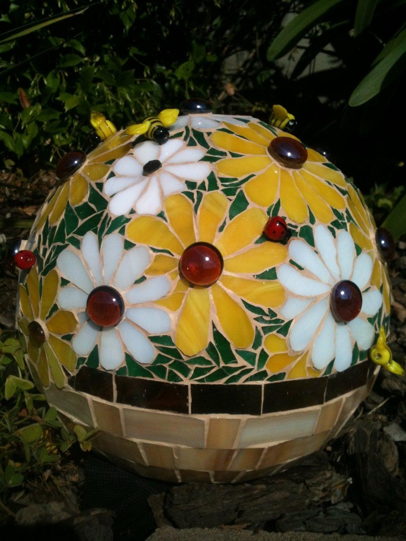 Daisy Mosaic Gazing Ball Bowling Ball Garden Sphere