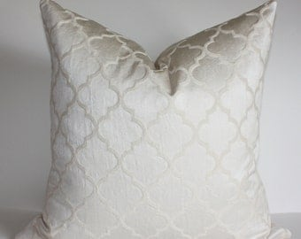 READY TO SHIP -  20X20 Quatrefoil Pattern Pillow Cover / Moroccan Inspired Design