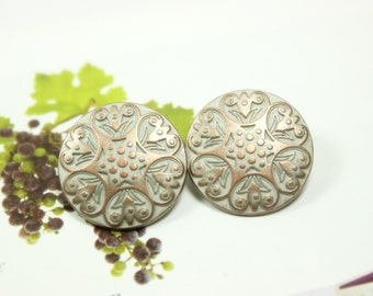 Metal Buttons - Carved Floret Metal Buttons , Brass Patina Color , Shank , 0.79 inch , 10 pcs