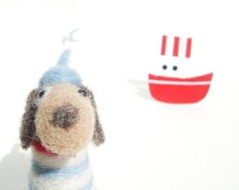 Le petit chien - wool felt miniature dog