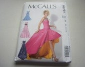 Pattern Ladies Formal Dress or Gown Sizes 6 to 14 McCalls 6701