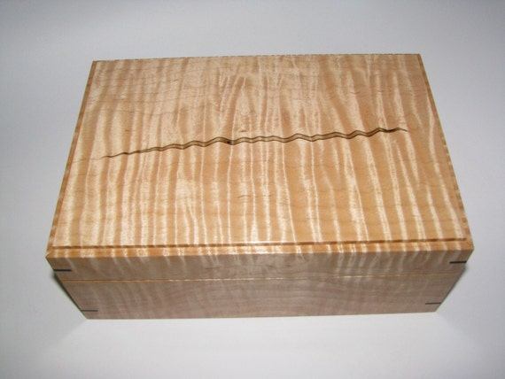 "Extremely Figured Tiger Maple Keepsake Box. Lined in Leather. 10"" x 7"" x 4"""