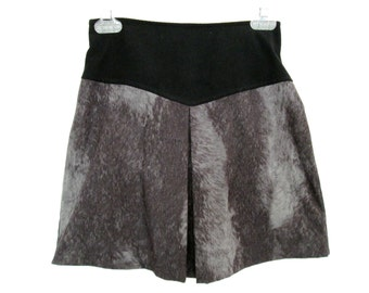 90's High Rise Patterned mini skirt size - S/M