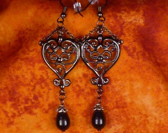 Victorian black and silver earrings E022
