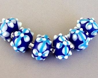 6 royal blue, turquoise and white lampwork glass beads, 13mm to 15mm blue floral lampwork rondelles