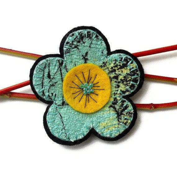 Retro Daisy  Brooch in 50s Turquoise, Black and Yellow Vintage Fabric Barkcloth