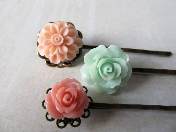 Flower bobby pins, garden, nature, rustic bride, country wedding,  3 vintage hair pins, mint, and pink