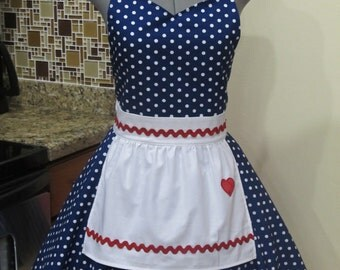 I Love Lucy Apron.. Vintage Inspired Sweetheart Style with a handmade Heart-Cosplay