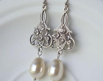 Bridal Earrings Vintage Style Antique Silver Earrings.  Wedding Earrings. Bridal Dangles. Bridesmaids Earrings, Wedding Jewellery