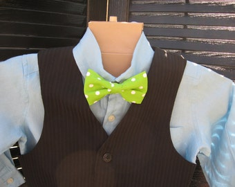Boys Green polka dot clip on bow tie
