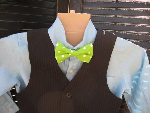 Boys Green polka dot clip on bow tie