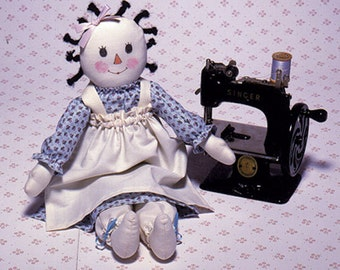 """Carolee Creations """"Buttons N' Bows"""" Easy to sew doll pattern"""