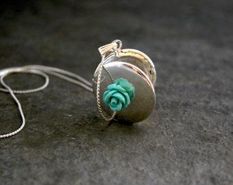 Women's Gift, Flower Round Silver Locket, Vintage Inspired Silver Locket, Memories Silver Locket, Love Silver Locket