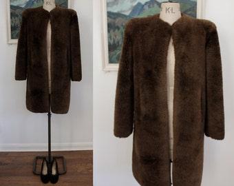 Vintage 1940s Brown Fur Beaver Lamb Coat Size Medium