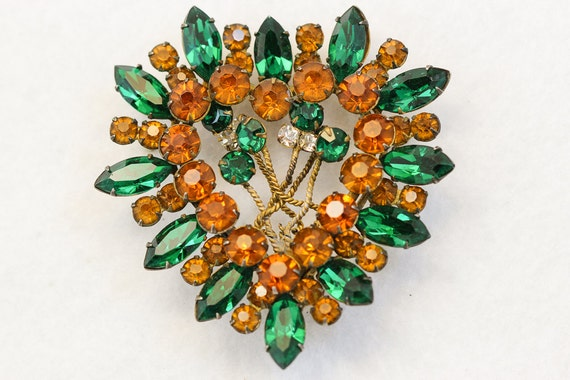 Golden Amber and Emerald Green Heart Brooch 3080
