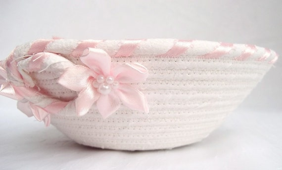 Lovely Wedding Basket, Handmade White Candy Bowl,  Wedding Table Candy Dish, hand wrapped and hand coiiled fabric