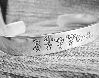 Hand Stamped BRACELET Aluminum Dad Mom Girl Boy Baby Dog Cat Custom Made For Your Family Cute Stick Family Cuff Mothers Family Gift