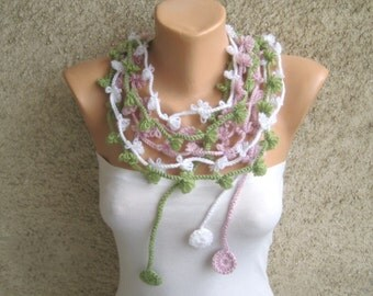 Crochet Scarf Lariat / Flower Scarf Necklace / Dusty Pink White Green Scarflette / Bohemian Women Set / Trendy Accessories / Christmas gift
