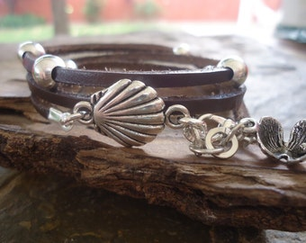 SHELLS in BROWN LEATHER leather wrap bracelet & beads (444)