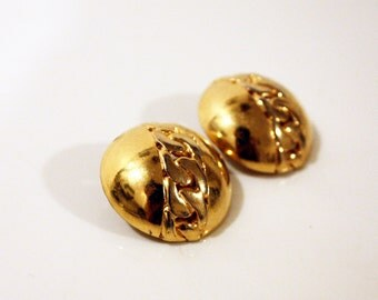 SALE!  80s Gold Casted Chain Button Stud Clip-on Earrings