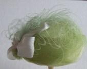 Pretty 1/12 scale handmade dollshouse miniature  silk hat