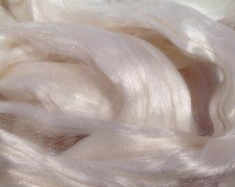 1oz White Mulberry Silk Top Spinning Fiber Luxury Fiber