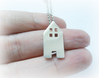 House Charm Necklace, Sterling Silver House Pendant, Cute Charm Necklace, Gift for Mom, Dollhouse Necklace, Our Familly Necklace