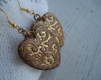Vintage Cinnamon Etched Gold Hearts Earrings Woodland Valentine