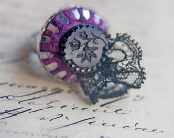 Adjustable Felt and Antique Button Ring