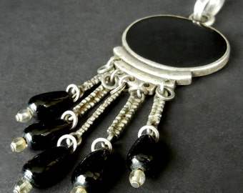 Vintage Black Onyx or Jet Dangle Pendant  gl18
