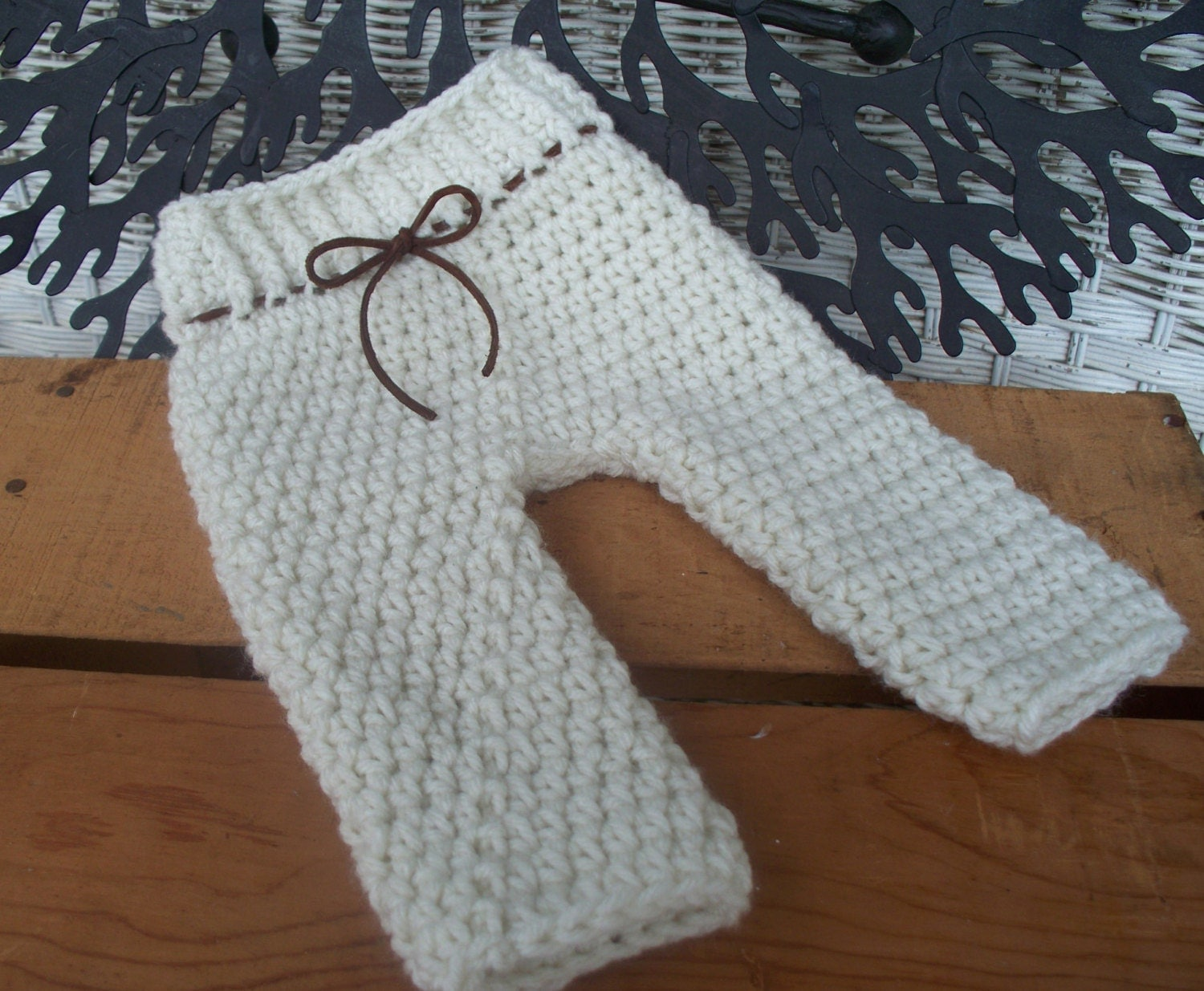 Crochet Pants : Newborn Pants Pattern / PDF PATTERN / baby by DaddyMackDesigns