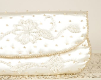Vintage Ivory Evening Bag - Vintage Clutch - Beaded Purse - Made in Japan by Sharonee - Classic Vintage Wedding Details - Wedding Purse